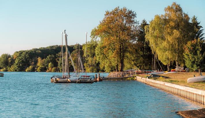 Navigation de plaisance sur l'étang de Baye