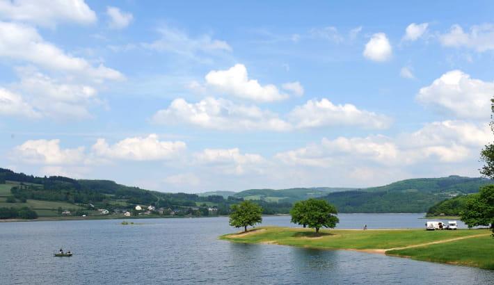 Baignade au lac de Pannecière