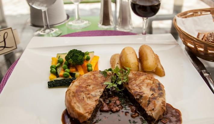 Assiette du restaurant Le Grand-Monarque, Toque Nivernaise