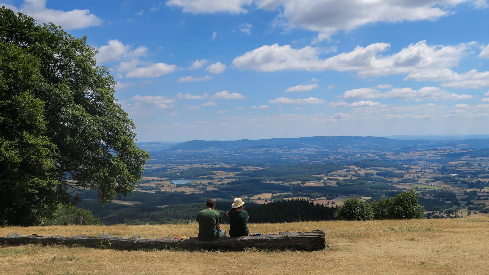 Savourer les paysages au sommet du Mont Beuvray