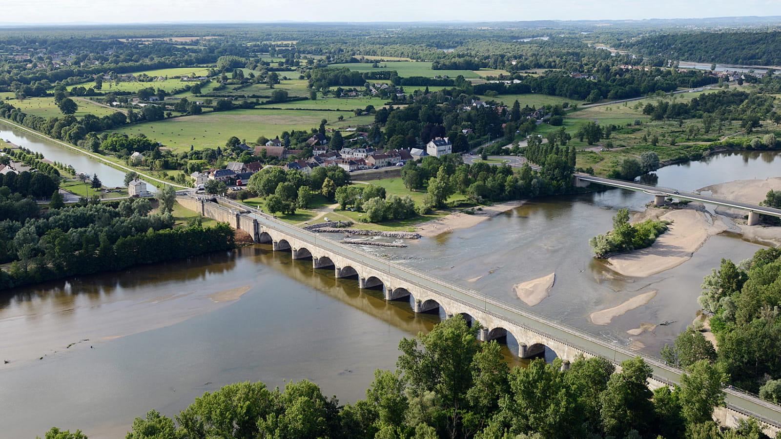 Le pont-canal du Guétin près de Nevers