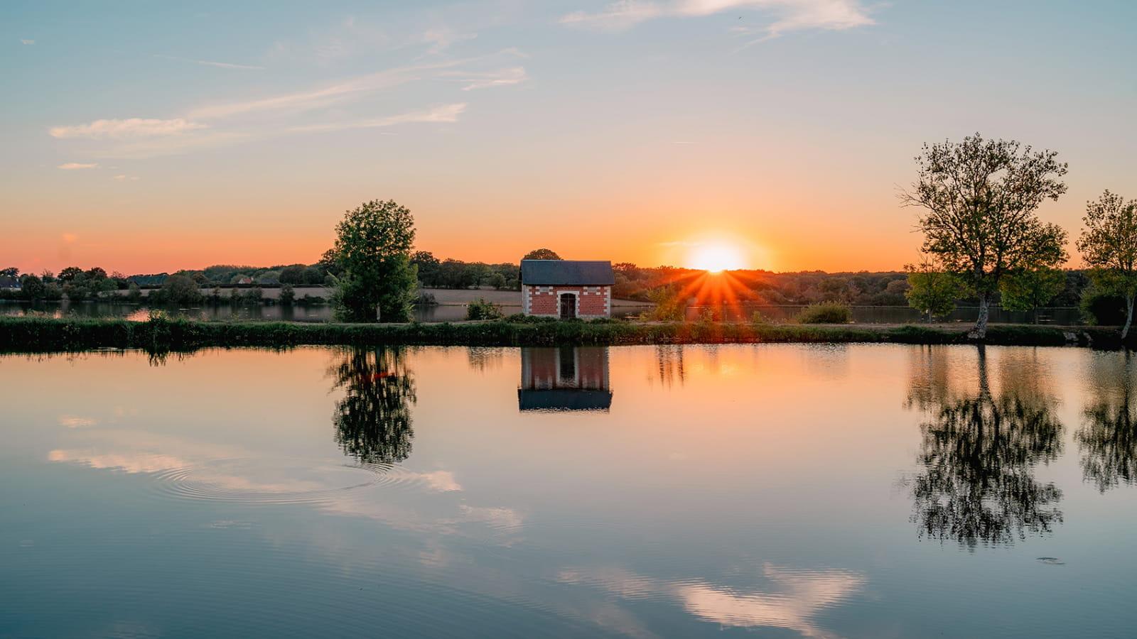 Coucher de soleil sur l'étang de Baye