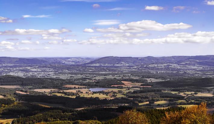 Panorama sur le Morvan depuis le Mont Beuvray