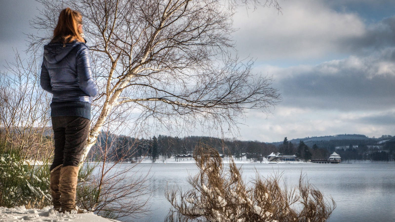 Le lac des Settons en hiver