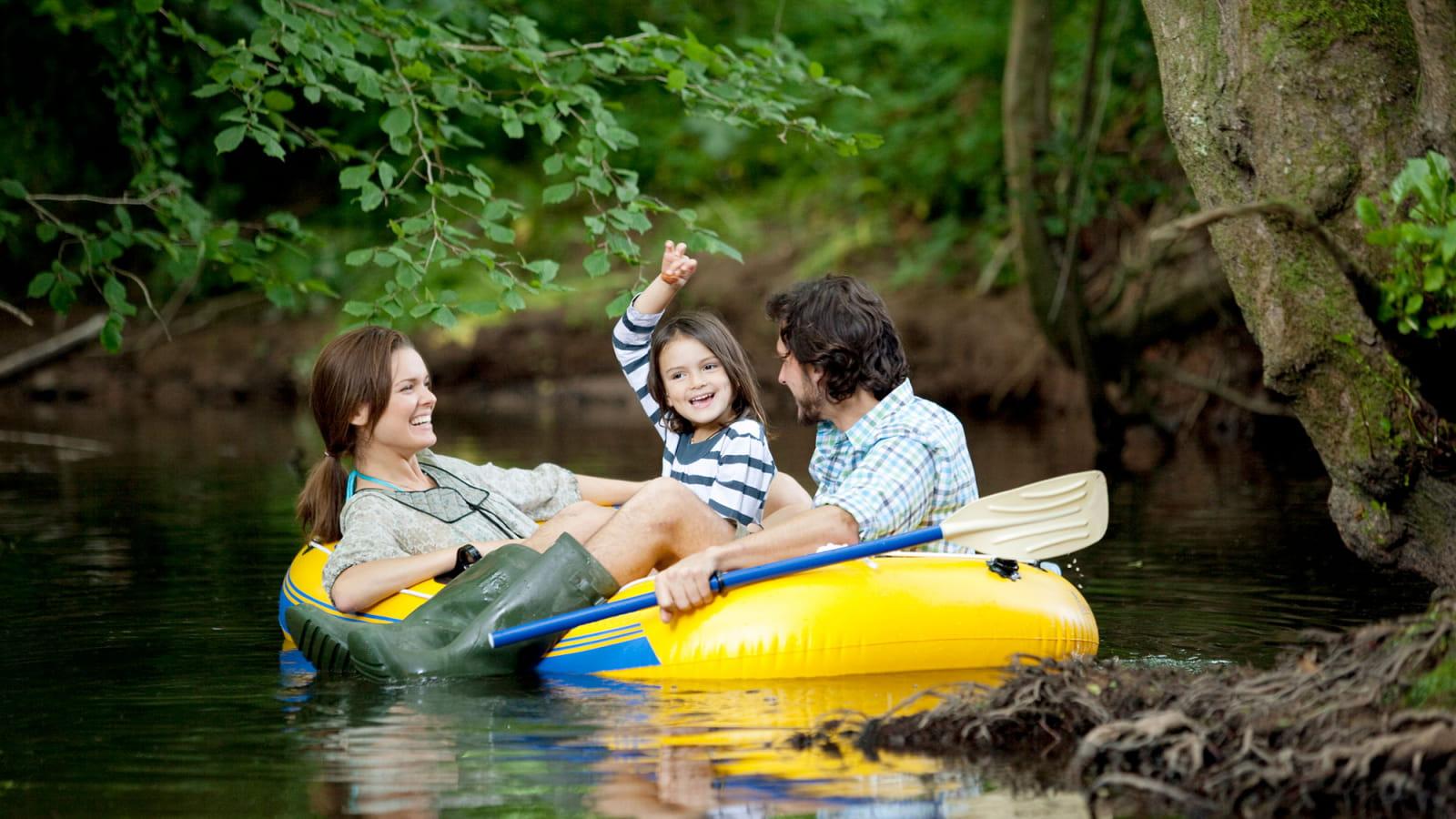 Famille en canoë